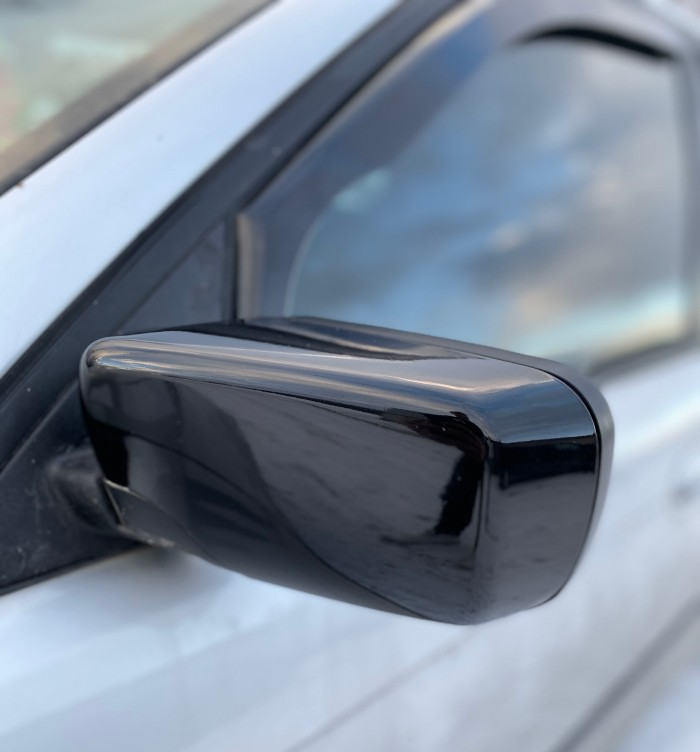 Oracal 970 Black autoteippi — Asentaja: SAT-Cars