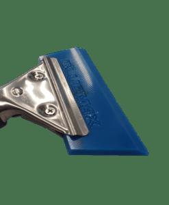 Blue Max kumilasta